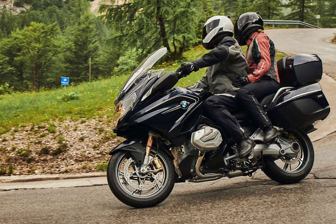 https://moto.wandaloo.com/files/Moto-Neuve/bmw/BMW-R-1250-RT-2020-Neuve-Maroc-01.jpg