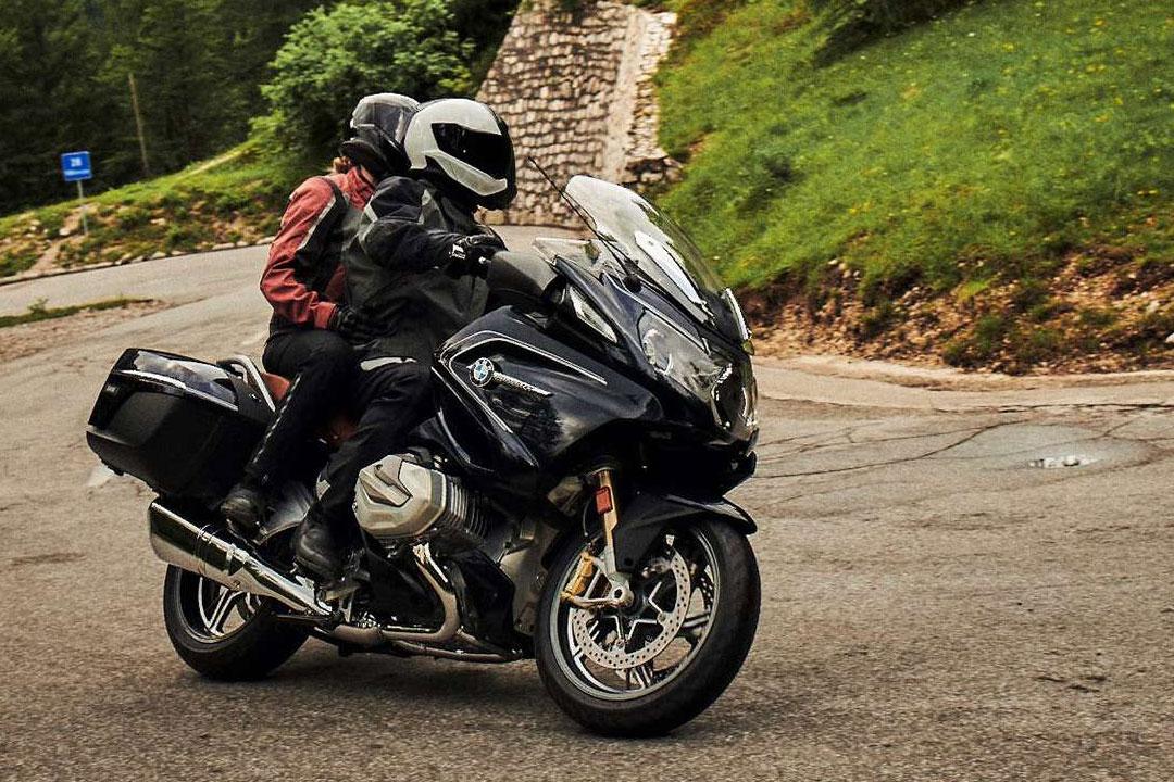 https://moto.wandaloo.com/files/Moto-Neuve/bmw/BMW-R-1250-RT-2020-Neuve-Maroc-02.jpg