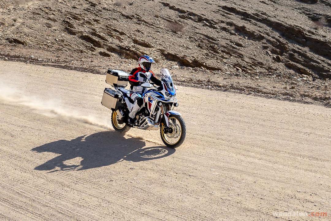 https://moto.wandaloo.com/files/Moto-Neuve/honda/Honda-CRF-Africa-Twin-1100-Adventure-Neuve-Maroc-03.jpg